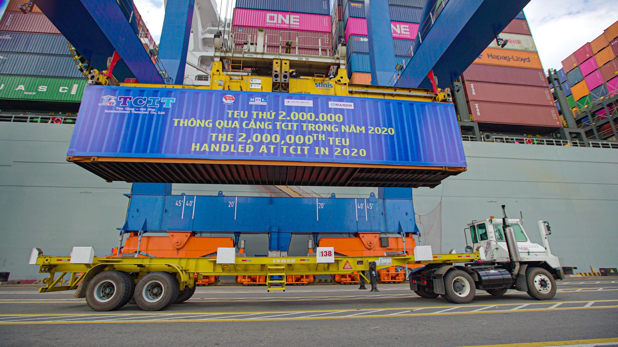 TAN CANG - CAI MEP INTERNATIONAL TERMINAL WELCOMES THE 2,000,000TH TEU IN 2020