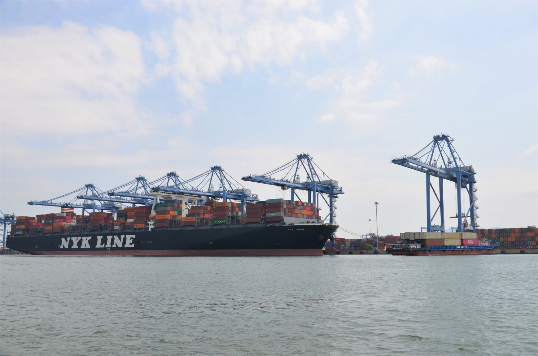 TCIT- Vietnam's largest deep-sea container port set a new record
