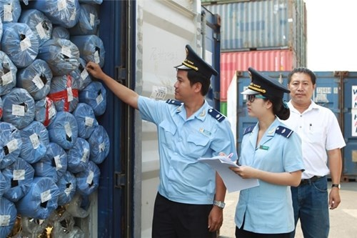 Announcement of Vietnam Customs regarding handling import laden containers of paper & plastic scraps