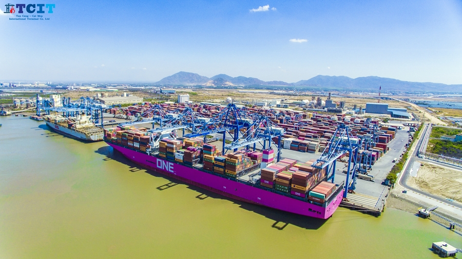 12,562 TEU – NEW HIGHEST HANDLING RECORD PER MOTHER VESSEL SET BY TAN CANG – CAI MEP INTERNATIONAL TERMINAL (TCIT)